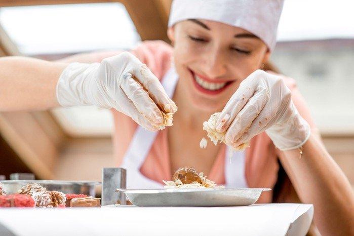 طرق حديثة لسيدات المنزل لتعليم فنون الطهي